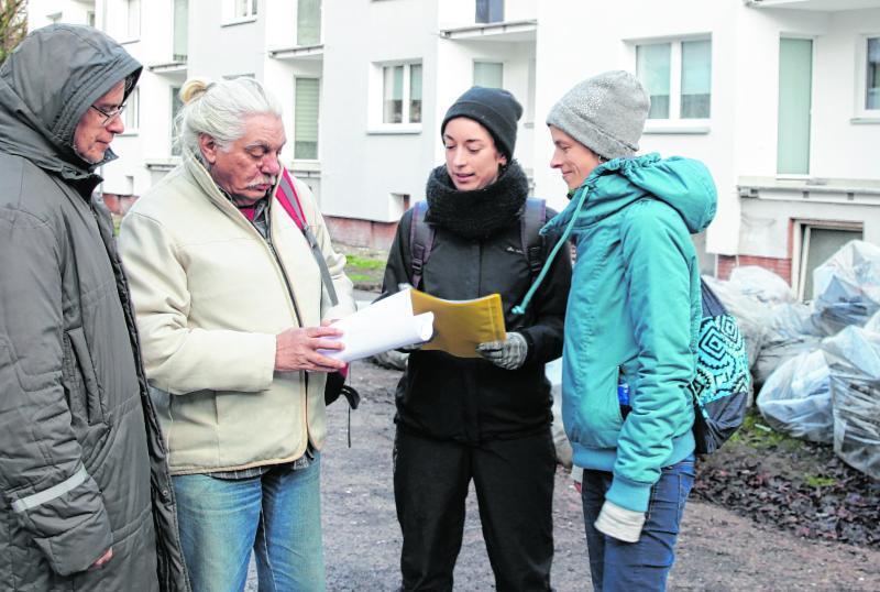 Solidarisch in Gröpelingen im Gespräch mit Mitern und Mieterinnen